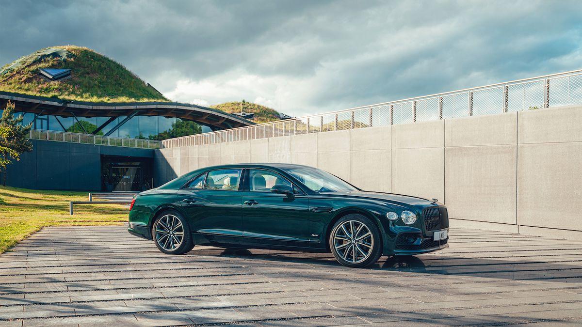Bentley dále elektrifikuje. Nabíjet je možné i Flying Spur