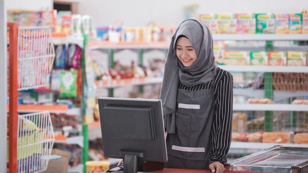 Zaměstnavatelé mohou zakázat muslimce nosit šátek, rozhodl evropský soud