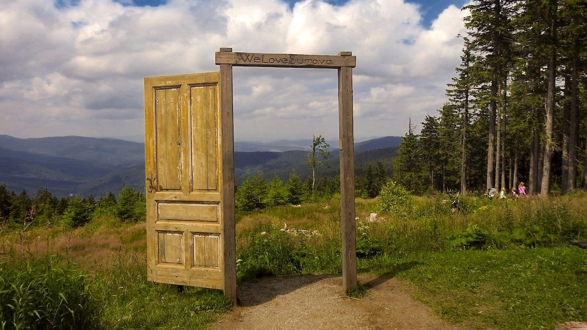 Otevřené dveře na Pancíři zvou do nitra Šumavy