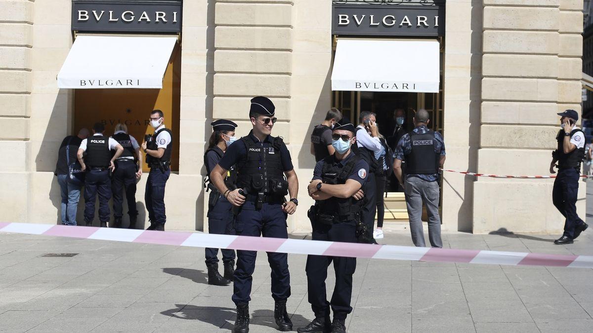 Lupiči v Paříži ukradli šperky za čtvrt miliardy