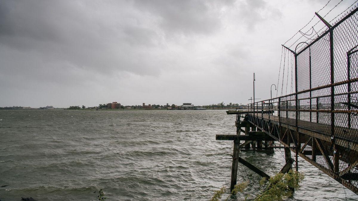 Hurikán Ida obrátil proud řeky Mississippi