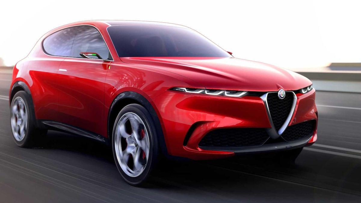Chystaná Alfa Romeo Tonale nafocena v maskování hned vedle většího stelvia