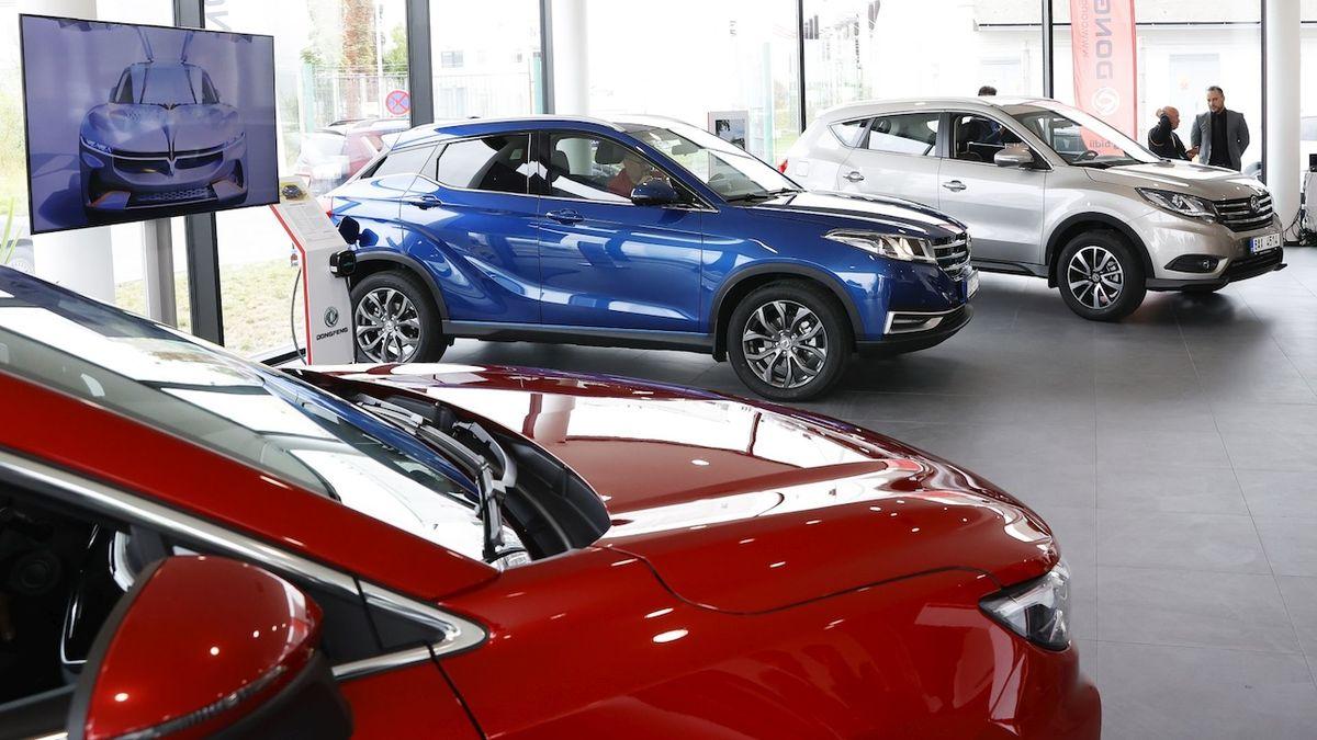 Na český trh vstupuje nová značka, automobilka Dongfeng
