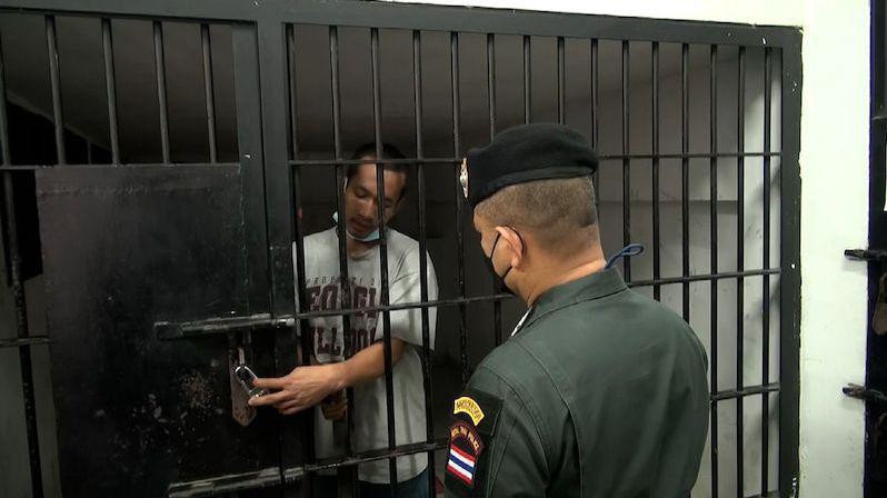 Vězeň si odemknul celu jen pomocí pásku