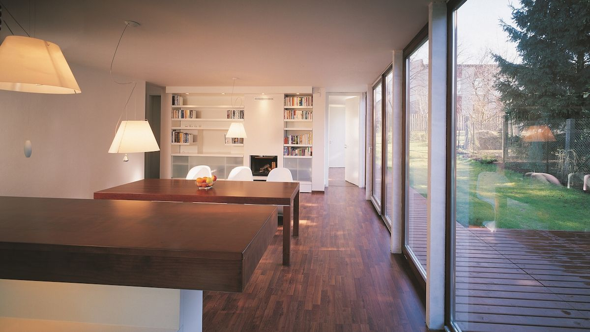 Interiér je dobře propojený s exteriérem.