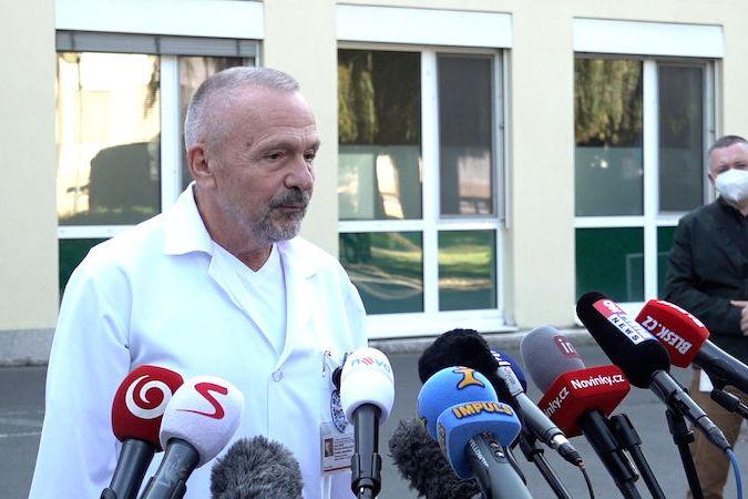 Briefing ředitele ÚVN k hospitalizaci prezidenta Miloše Zemana