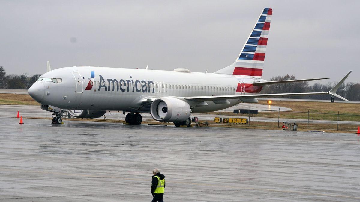 Kvůli tragédiím Boeingů 737 MAX obžalovali zkušebního pilota, hrozí mu sto let