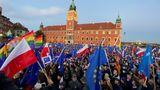 Poláci vyrazili do ulic demonstrovat za členství vEU