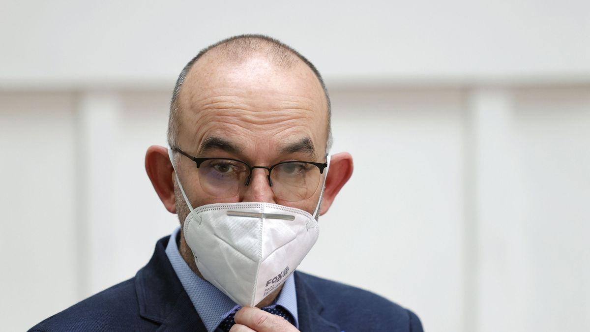 Blatný: Učitele zdarma otestujeme v prosinci a lednu - novinky.cz