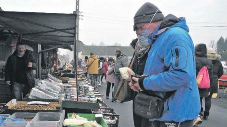Češi vzali útokem polské tržnice