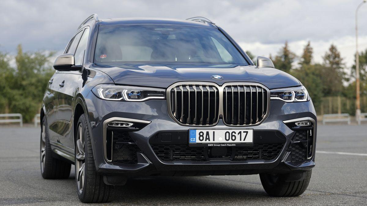Test BMW X7 M50i: Američan s bavorským pasem