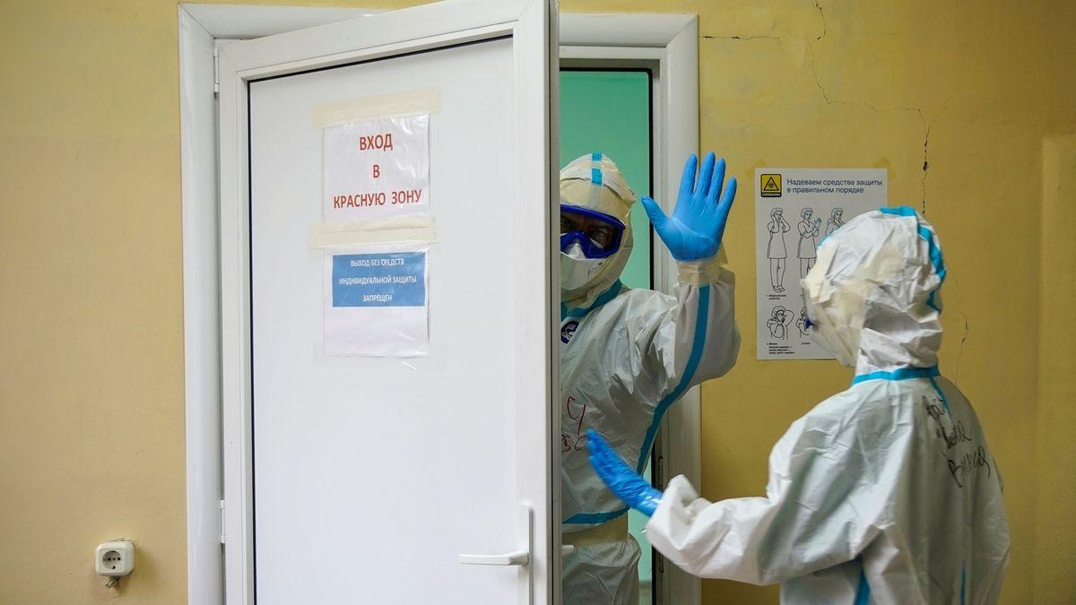 V Rusku odhalili přes 1500 mutací koronaviru způsobujícího covid