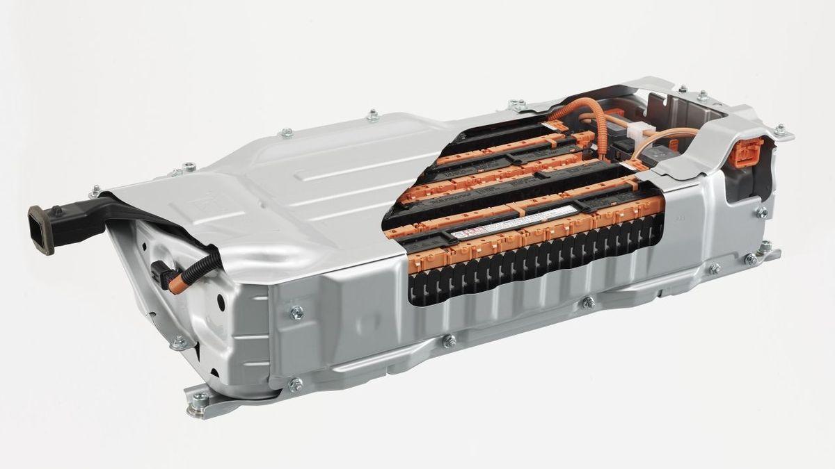 Toyota vyvíjí nový typ baterie pro elektromobily, láká nižší cenou