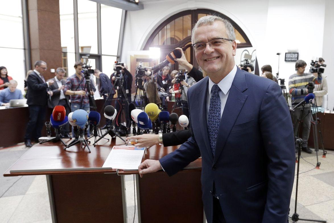 Předseda TOP09 Miroslav Kalousek vystoupil 24. října 2017 na tiskové konferenci k aktuální povolební situaci uvnitř strany.