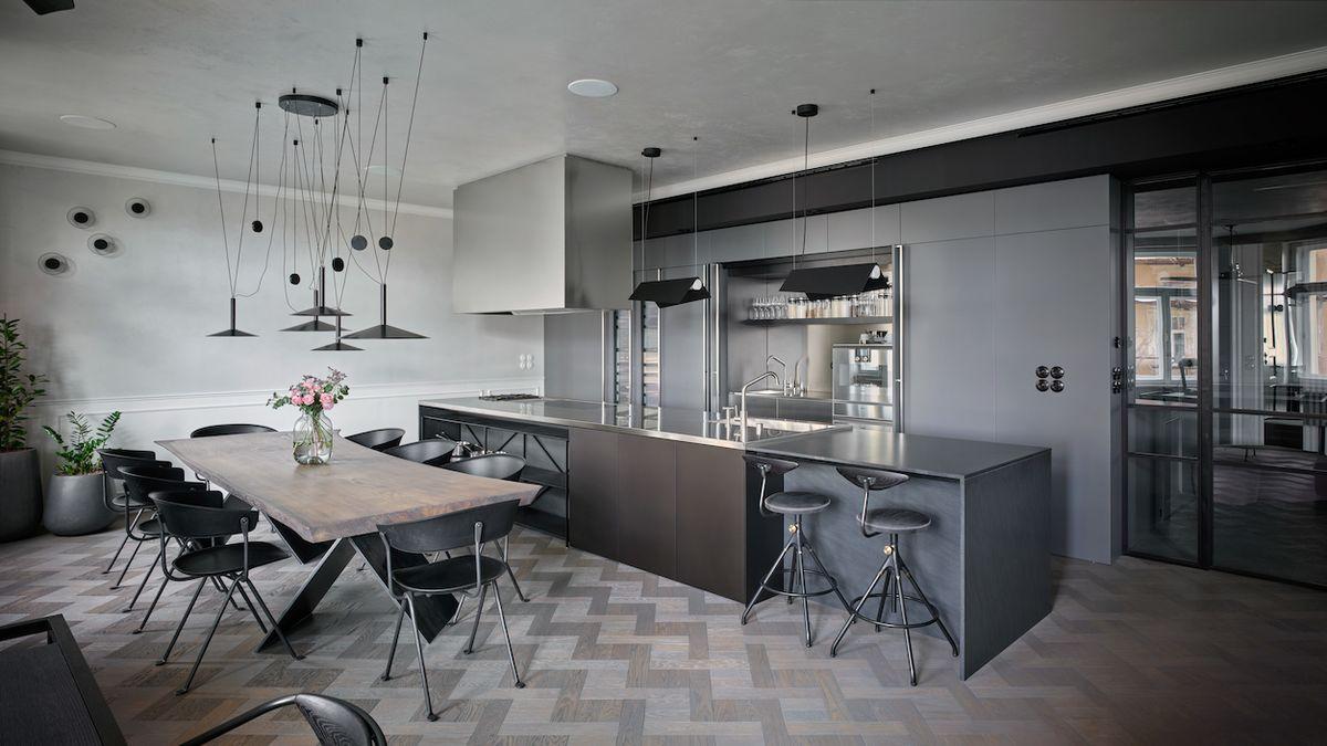 Spojením dvou bytů vzniklo zajímavé bydlení pro mladou rodinu