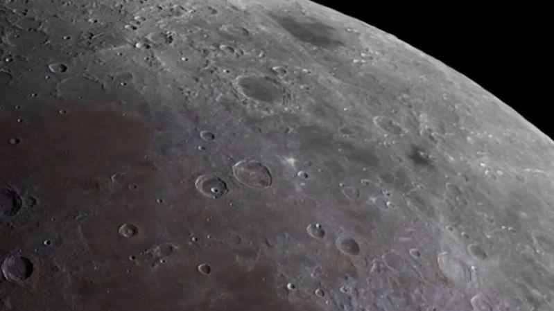 Vesmírné ambice SAE nekončí. S japonskou firmou hodlají dostat na Měsíc vozítko Rašíd