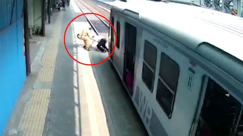 Kvůli ztracené botě ho málem přejel vlak