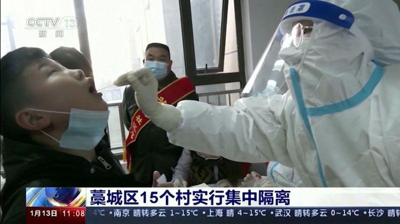 Čína posílá do lockdownu desítky milionů lidí kvůli 115 novým případům