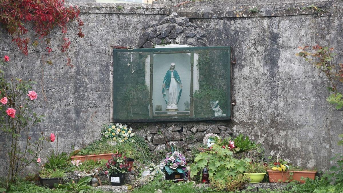 V irských domovech pro svobodné matky zemřelo 9000 dětí. Našel se i masový hrob