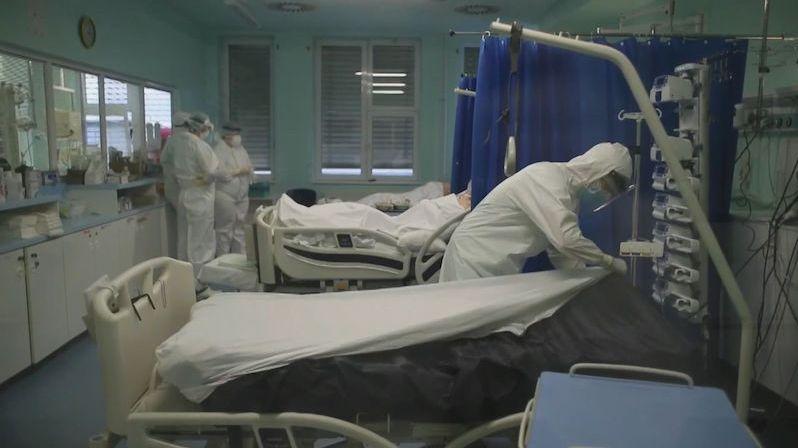 """""""Máme dvacetileté pacienty, o život bojují čtyřicátníci"""""""