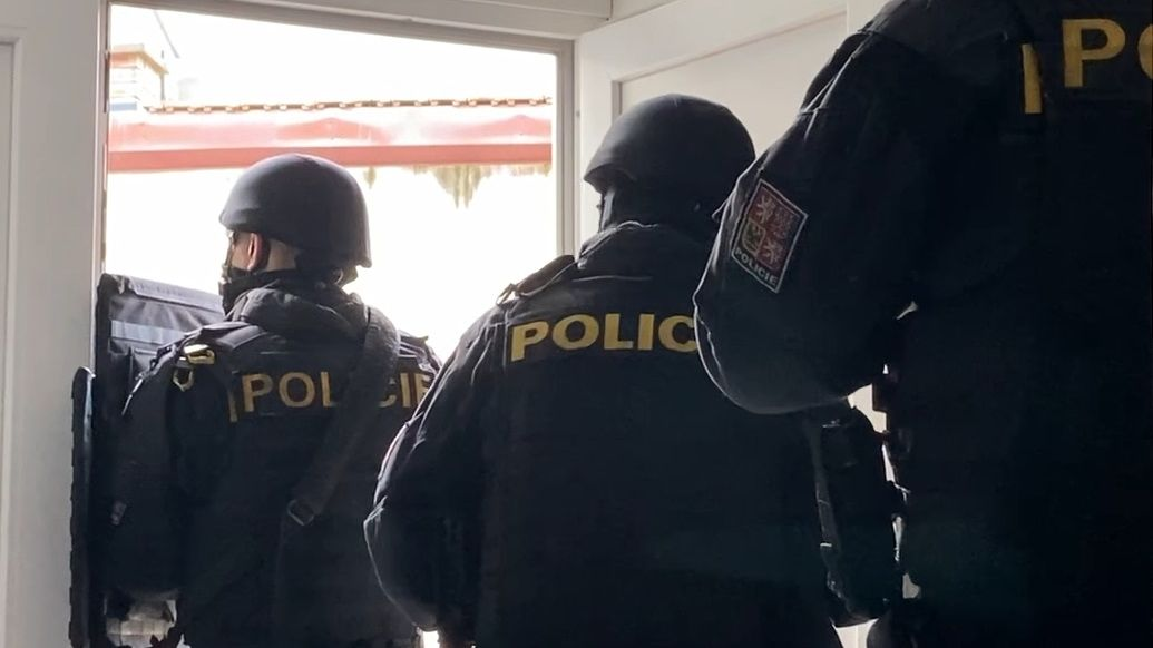 Policie viní čtyři Čechy z obchodování s lidmi ve Velké Británii