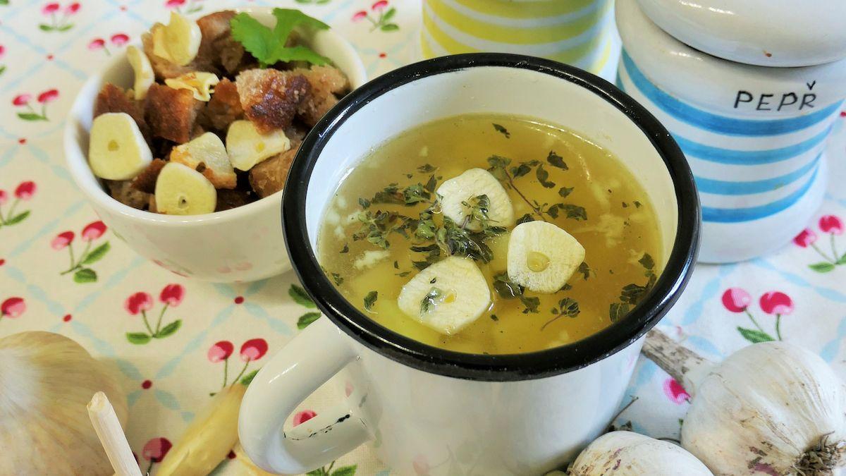Recepty na polévky, které v zimě přijdou vhod