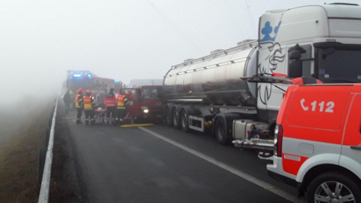 Nehody na D1 před Brnem blokovaly dopravu, vytvořily se kolony
