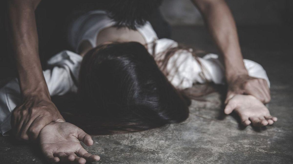 Sexuální agresi často spustí alkohol