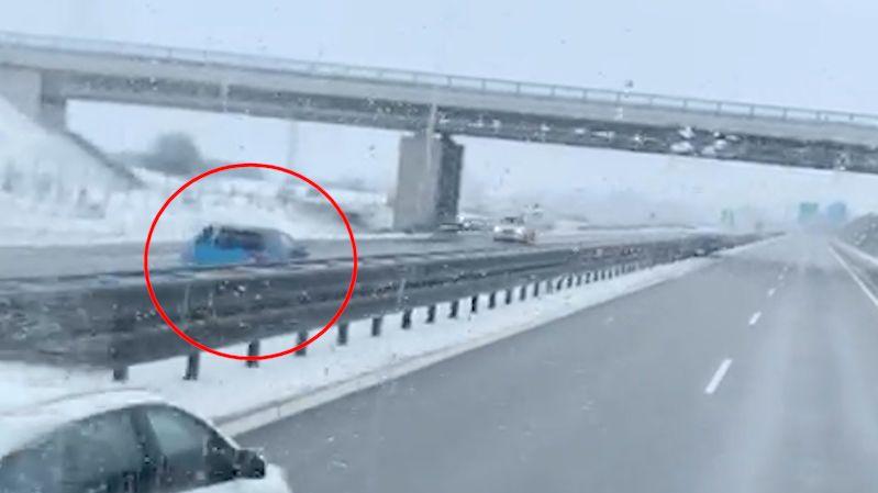 Řidič na jihu Čech ujel 19 kilometrů na dálnici v protisměru