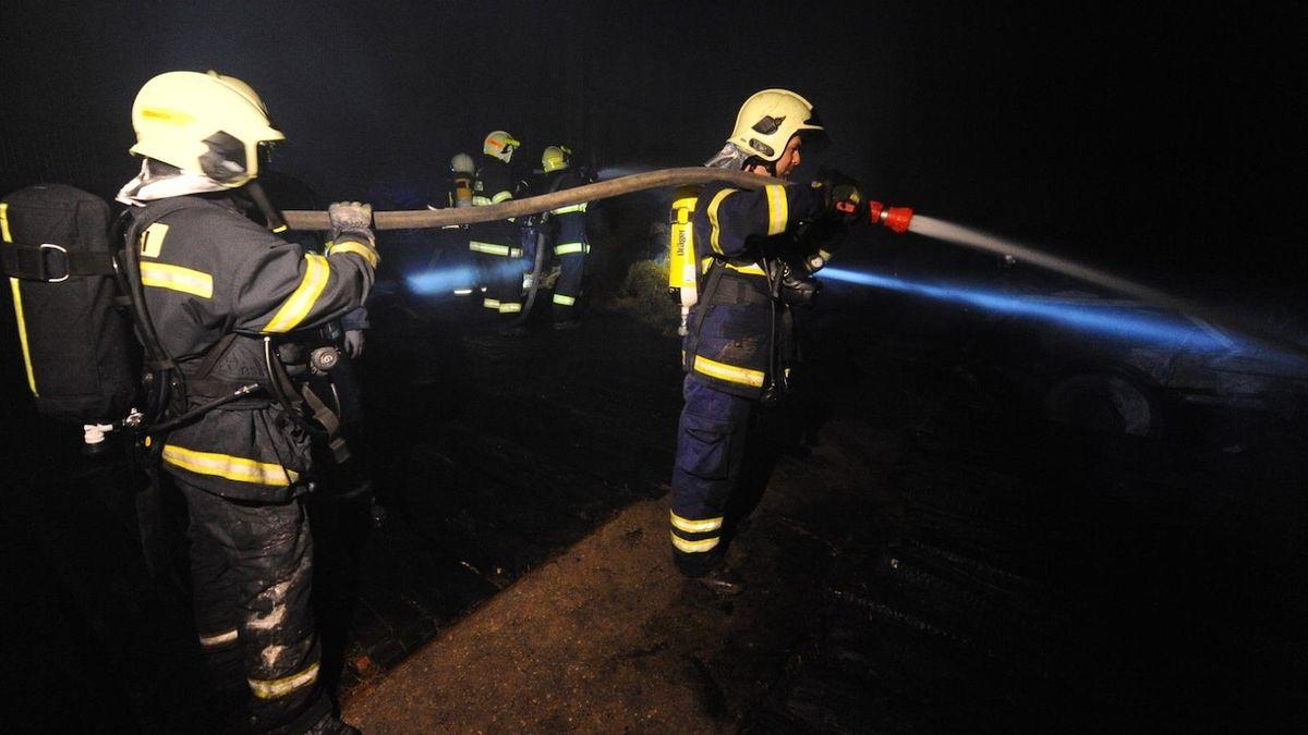 Požár panelového domu v Krnově policie šetří jako obecné ohrožení