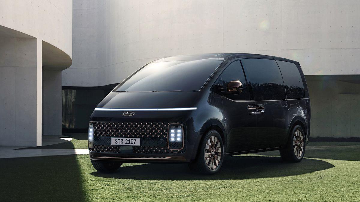 Futuristické MPV Hyundai Staria se kompletně představuje