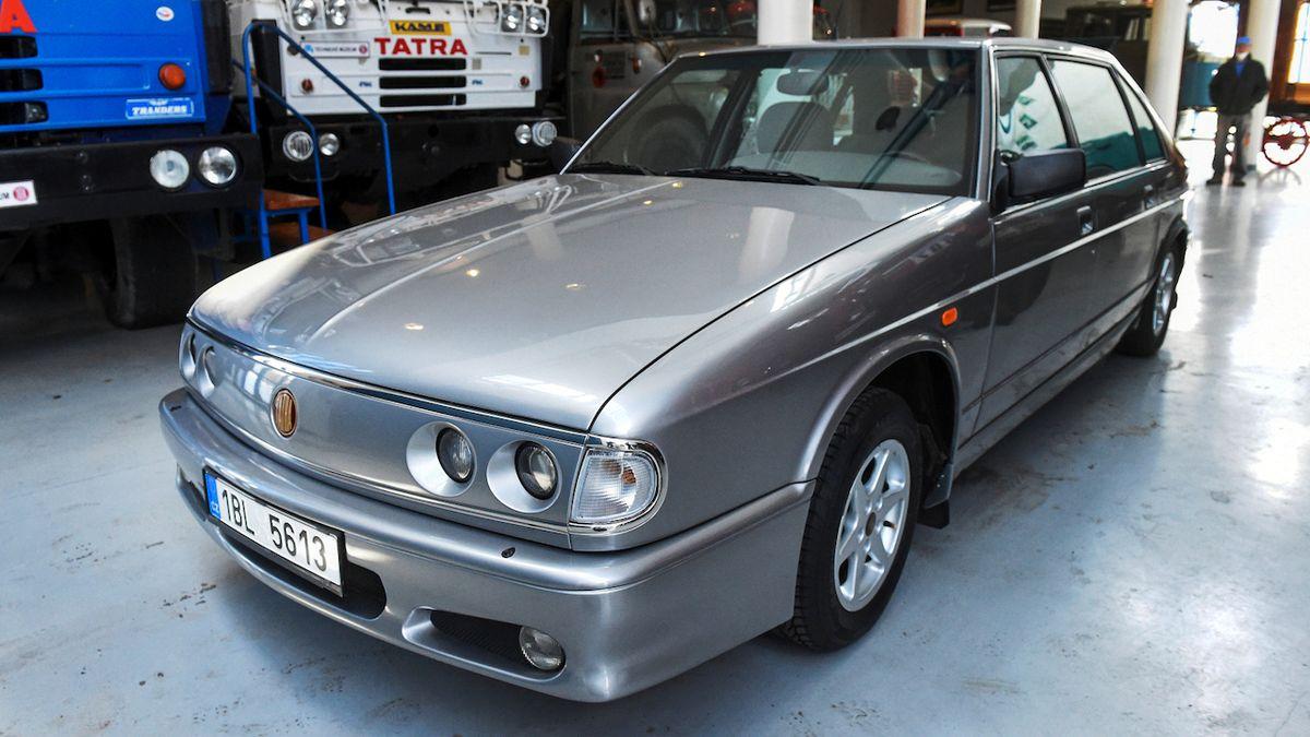 Poslední osobní Tatra se představila před 25 lety. Byl to propadák, dnes je ceněná