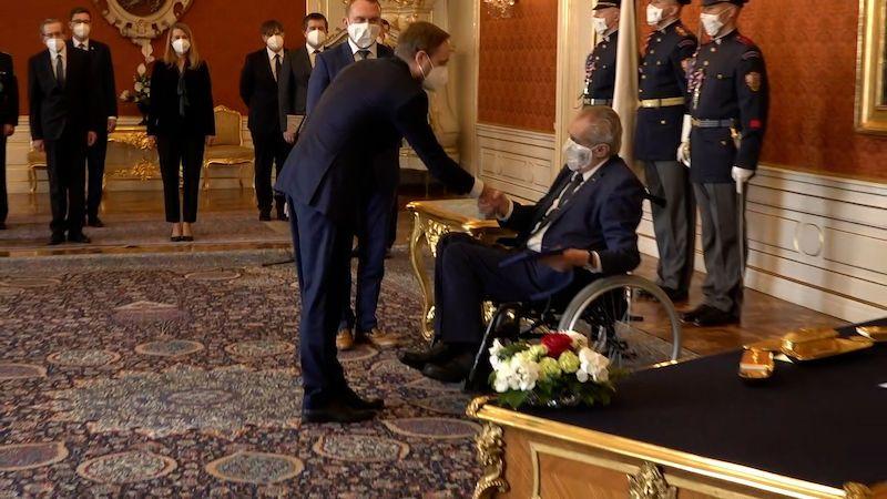 Prezident Zeman jmenoval Kulhánka ministrem zahraničí. Rusko vynechal