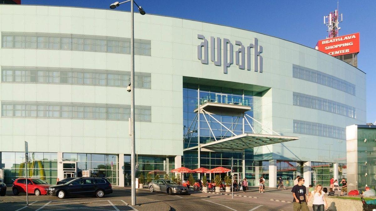 Jedno z největších obchodních center na Slovensku se prodalo za 12 miliard korun