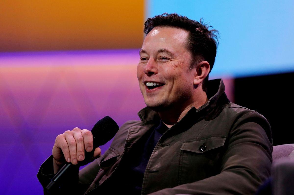 Tesla bude opět přijímat bitcoiny. Musk má ale podmínku