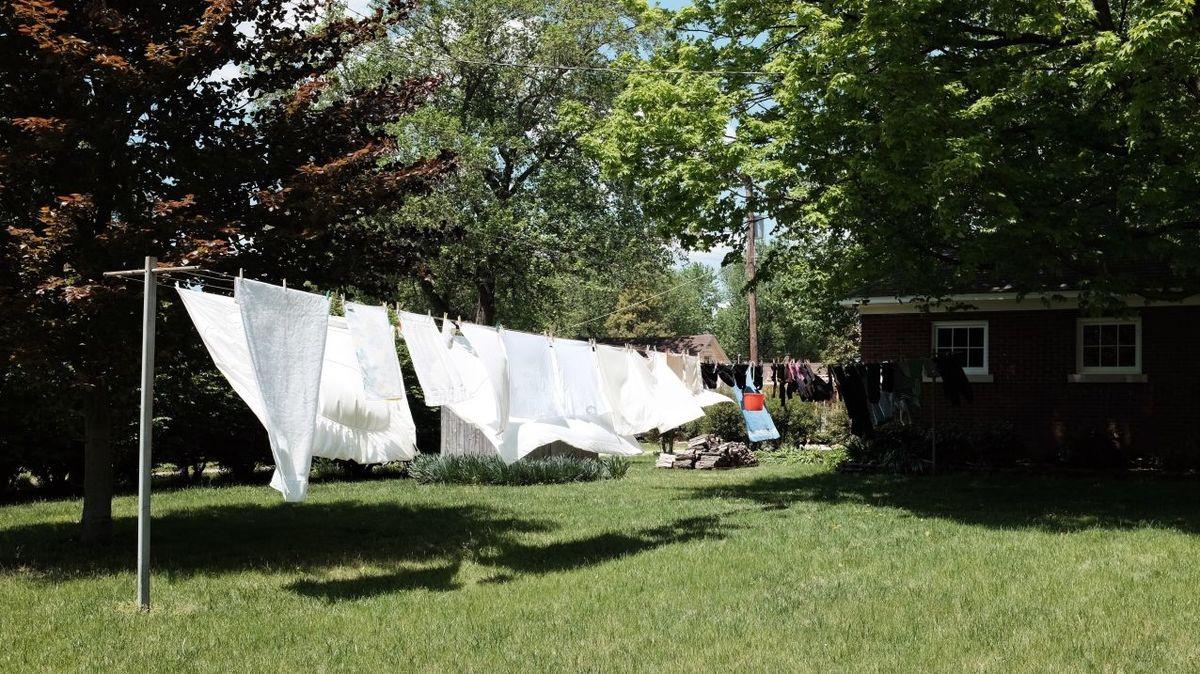 Podívejte se snámi do historie sušení prádla