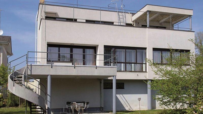 Dům advokáta Františka Švece je inspirován stavbami od slavného Le Corbusiera