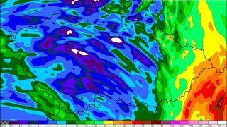 Na východě bude vydatně pršet dál, hladiny budou stoupat, varovali meteorologové
