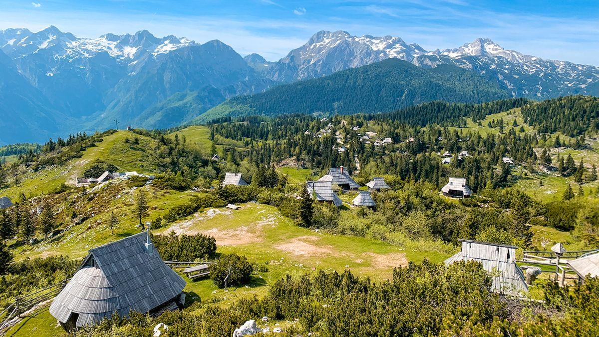 Louky, kam jen oko dohlédne. Velika Planina je jedno z nejhezčích míst Slovinska