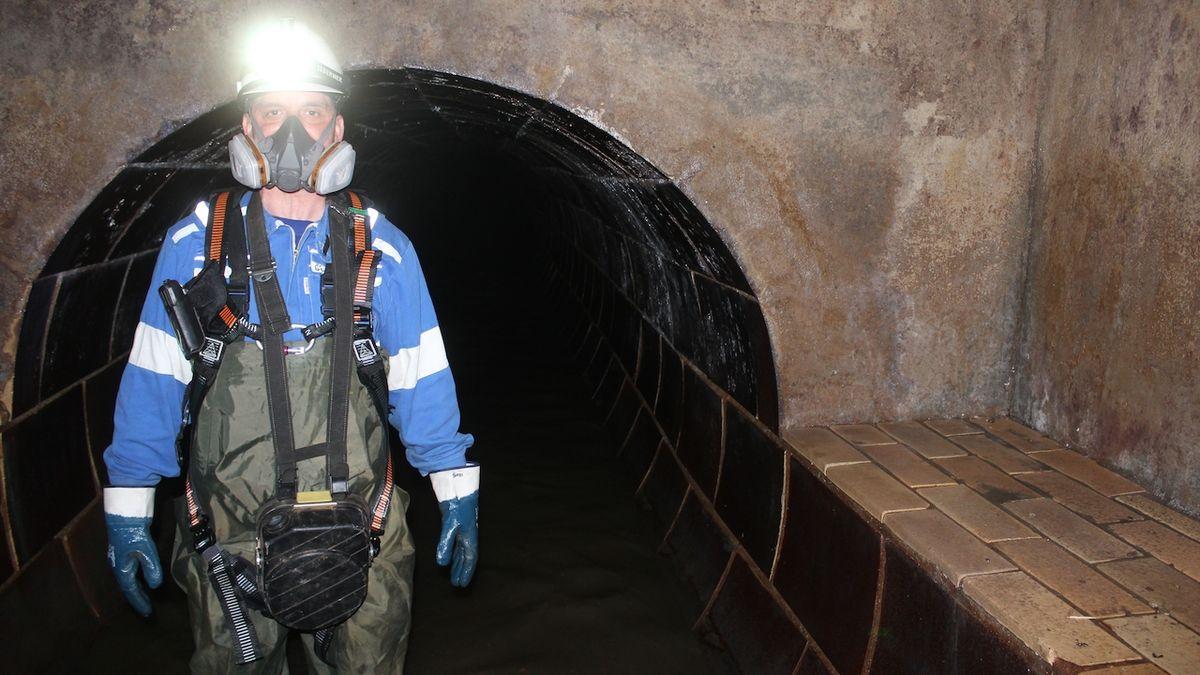 Práce je to pestrá, směje se čistič kanalizačních stok pod Ostravou