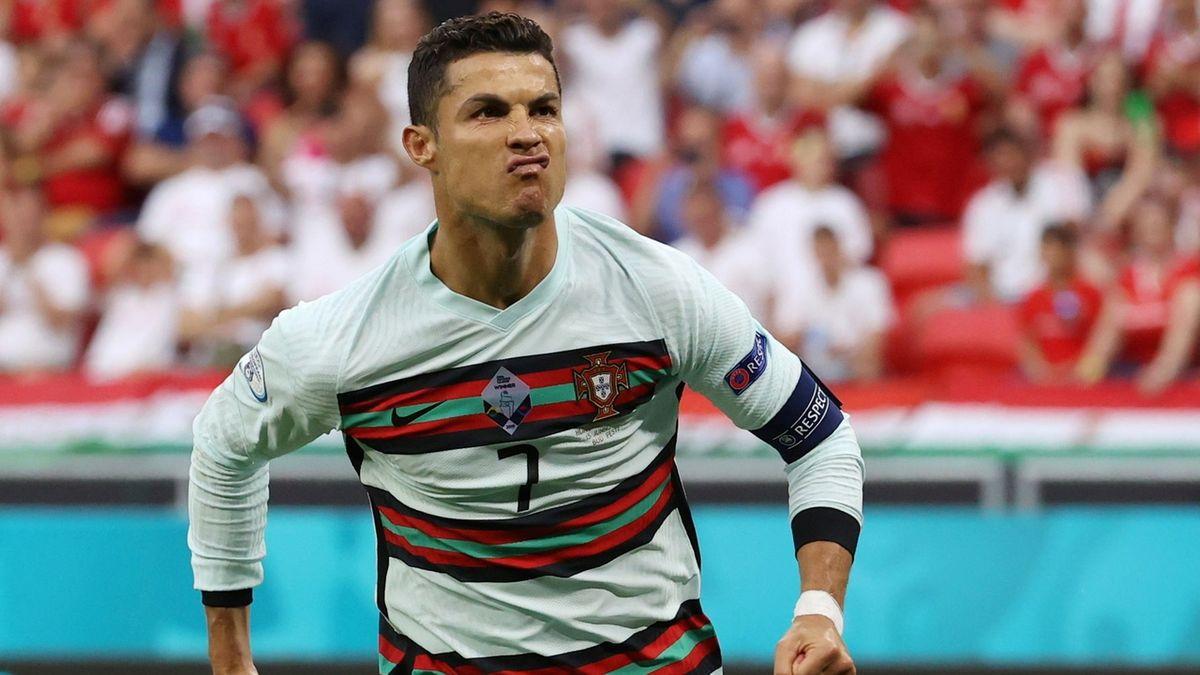 Ronaldo pohnul akciemi Coca-Coly. Pořád jsou ale blízko letošních maxim