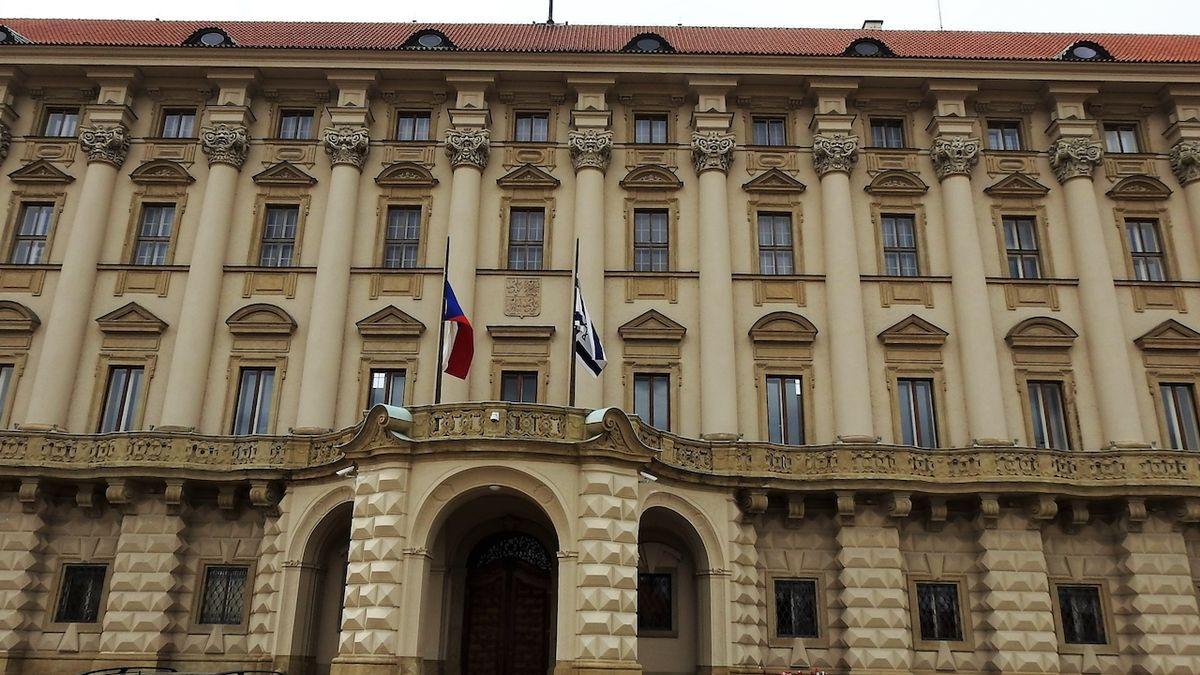 Vláda odvolala velvyslankyni v Rakousku, kterou kritizoval Zeman za špatné rady