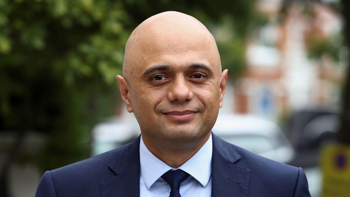 Britská vláda vzdala snahu zavést covidové pasy