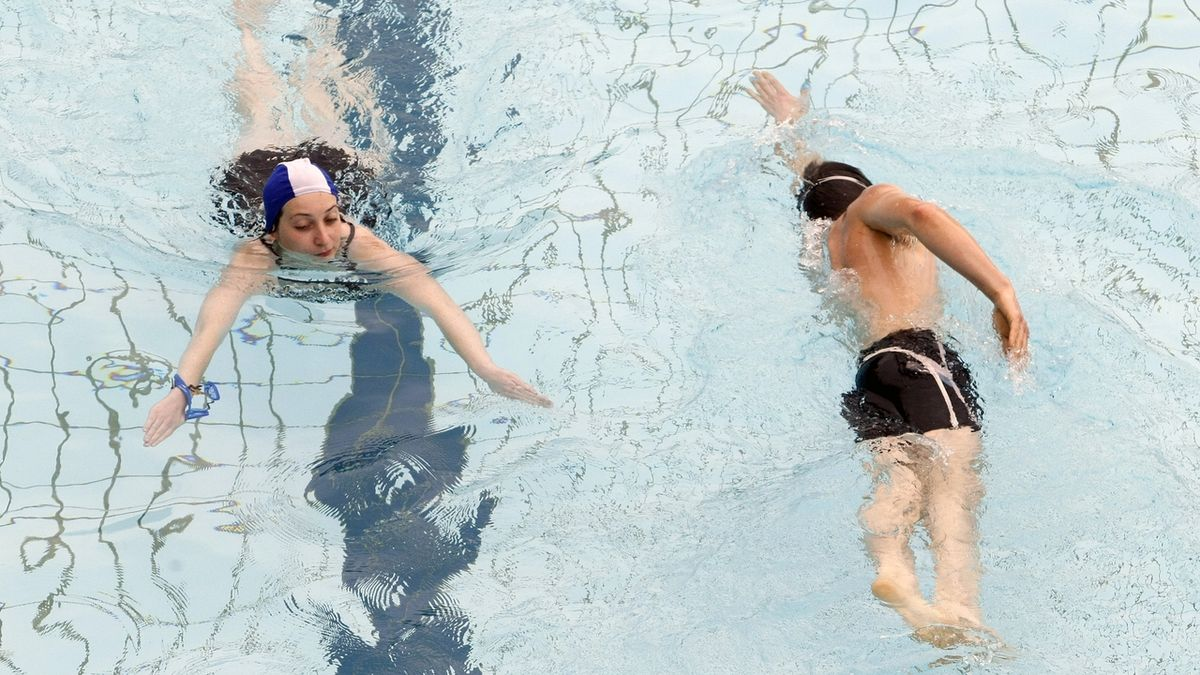 Bazén Thermalu se dnes vzdor lákání politiků neotevře