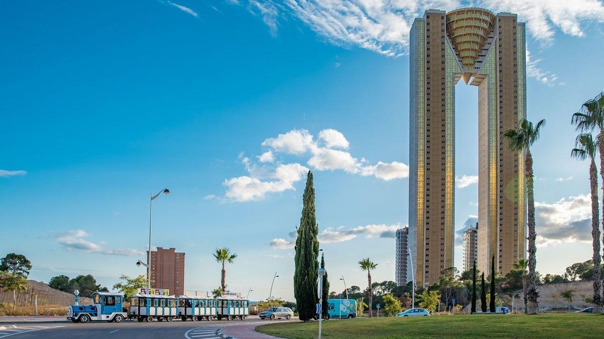 Ve Španělsku dokončili nejvyšší obytnou budovu na území EU