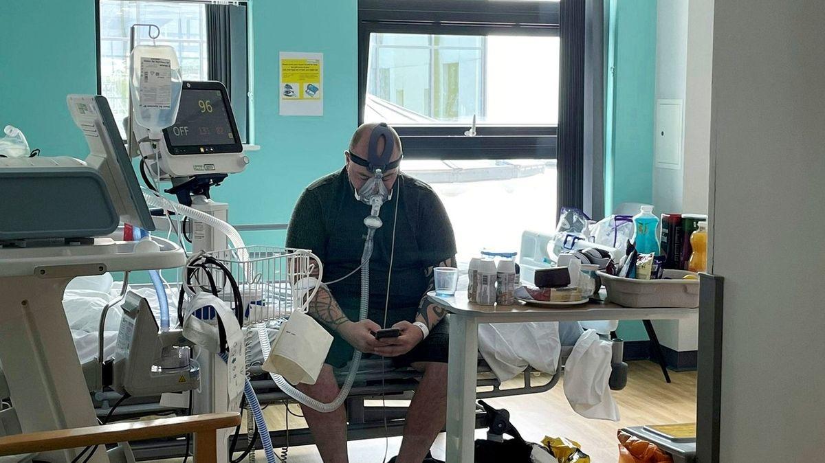 Pacienti s deltou končí v nemocnicích dvakrát častěji