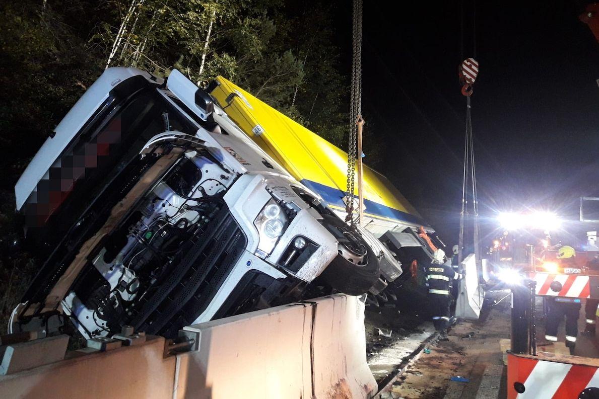 Nehoda kamionu na 26. kilometru dálnice D1