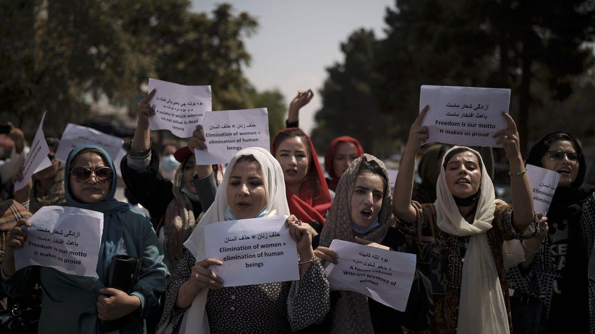 Podniky s ženskou obsluhou nebo vlastněné ženami si už v Kábulu neškrtnou