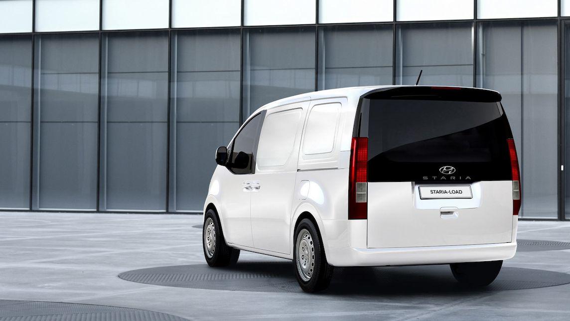 Futuristický Hyundai Staria se ukazuje i v roli dodávky