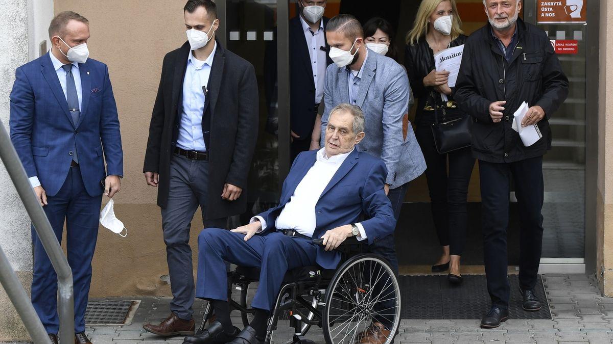 Zeman není schopen zastávat svůj úřad, všímají si zahraniční média
